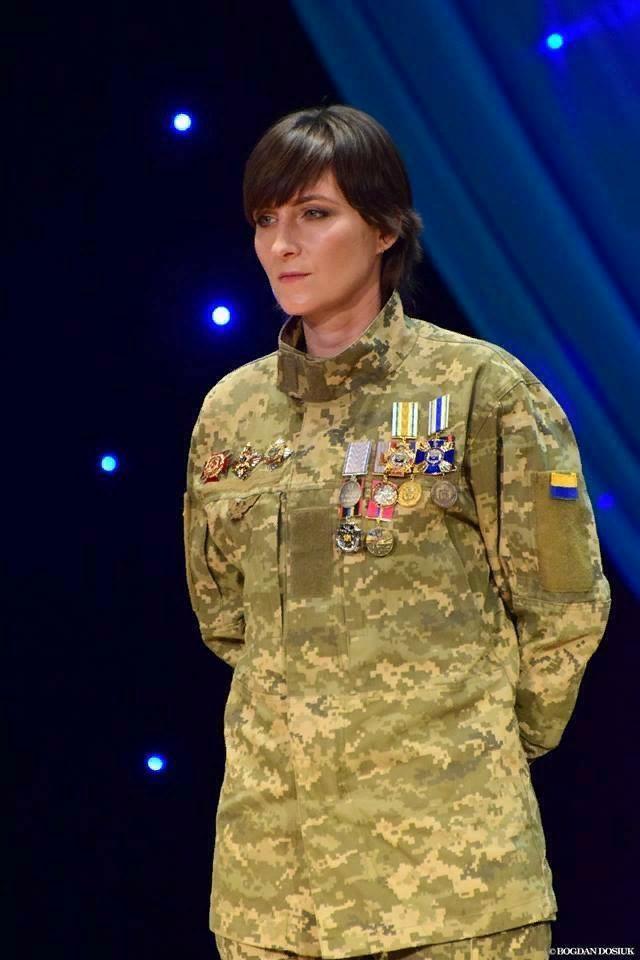 Подякуємо цій героїчній дівчині! «Завдяки Олені ми більше не захлиналися кров'ю від танкових екіпажів противника»