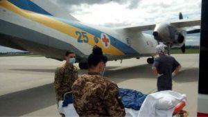 Сьогодні до Києва прибув борт з важко пораненими. Прошу всіх допомагати нам з р # постами…