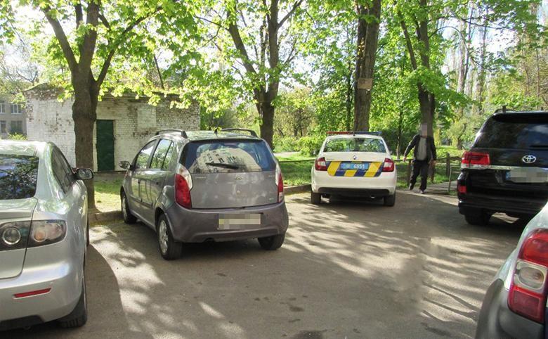 Жесть! У Києві чоловік влаштував різанину через намордник для собаки