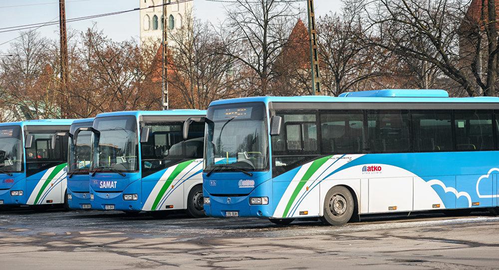 В Естонії майже по всій країні скасували плату за проїзд в громадському транспорті.