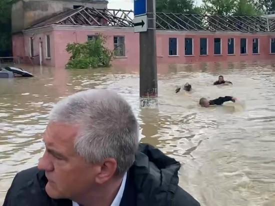 Аномальные осадки в Крыму и Аксенов в лодке