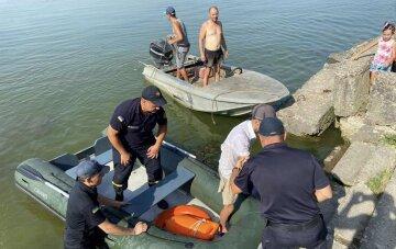 Подростка на надувном матрасе унесло в открытое море: кадры ЧП на Одесчине