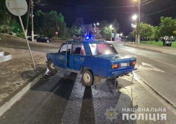 23-летний водитель превратил свадьбу в трагедию, влетев в толпу возле ресторана: кадры ЧП на Запорожчине