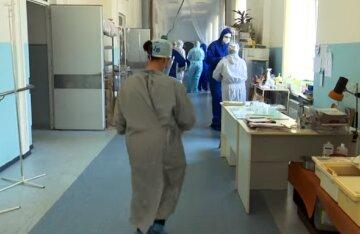 Число больных на COVID-19 детей рекордно выросло: тревожные сведения