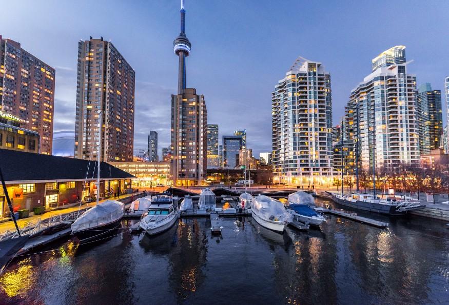 Цены на недвижимость в Канаде растут на $ 12000+ в месяц