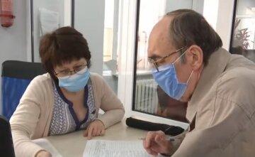 Рост пенсий в Украине, названы сроки и суммы: кому прибавят больше тысячи гривен