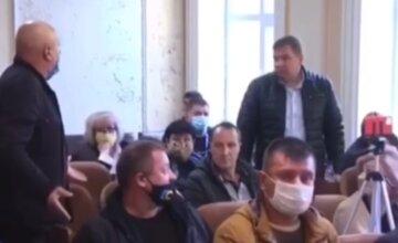 """""""Чем АТОшник лучше меня?"""": одесский депутат устроил скандал в битве за землю, видео"""