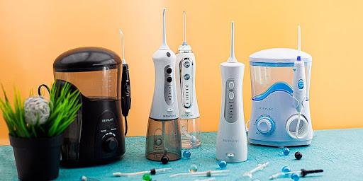 Ирригатор для чистки зубов – как подобрать нужную модель